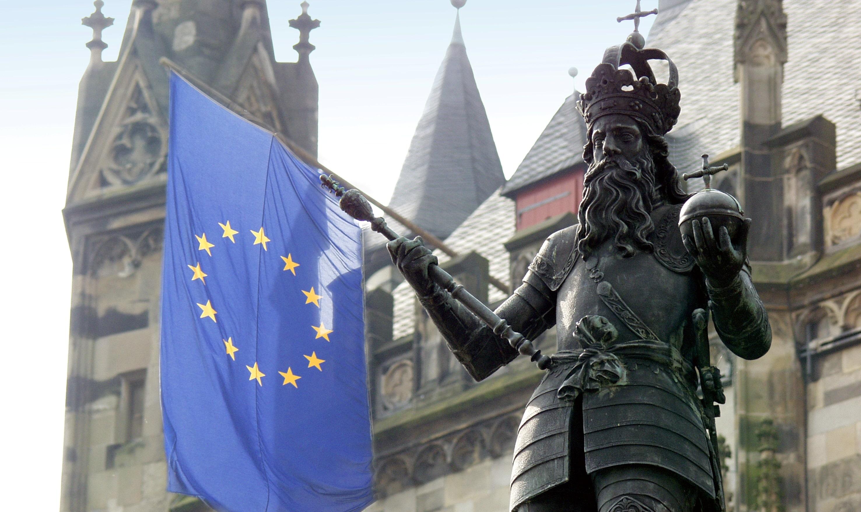 A Papa Francesco il premio Carlo Magno per l'Europa
